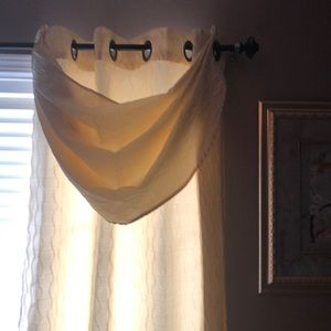 "Grommet Top Curtains and Valances (50""W X 84""L"